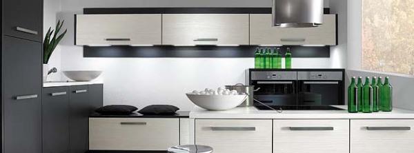 einbauk chen verkauf von einbauk chen und k chenmontage. Black Bedroom Furniture Sets. Home Design Ideas